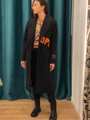 Mako Fashion cappotto scritte